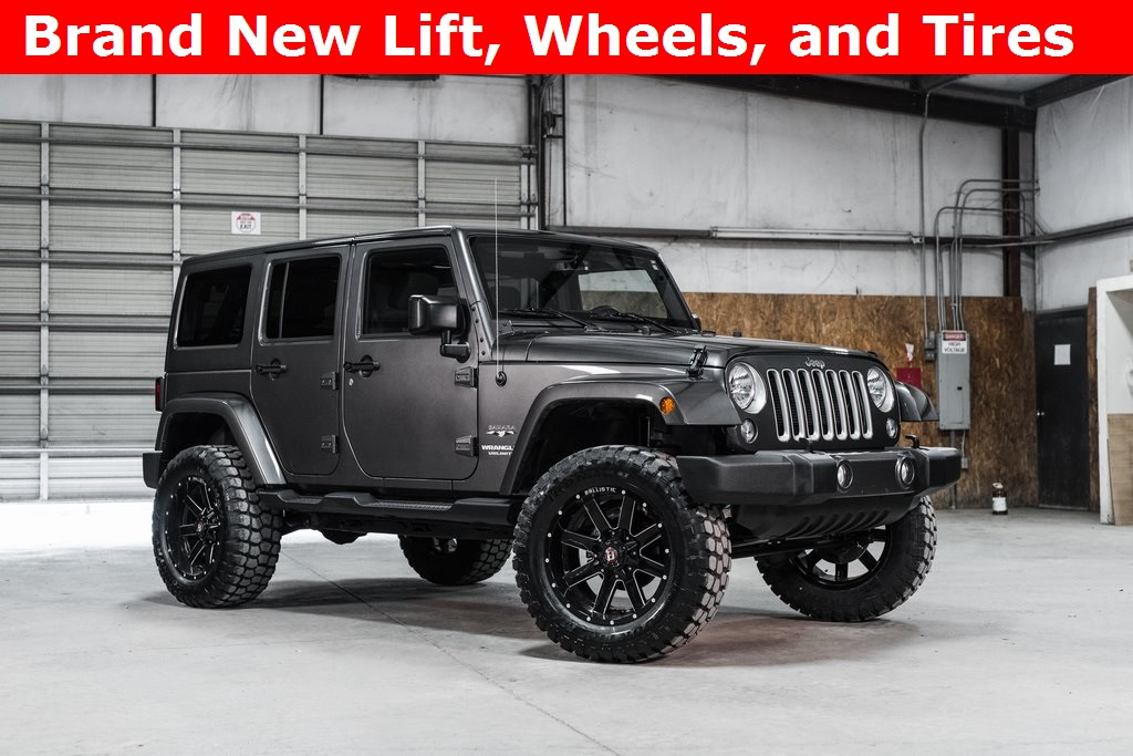 2016 Jeep Wrangler 4WD Unlimited Sahara LIFTED