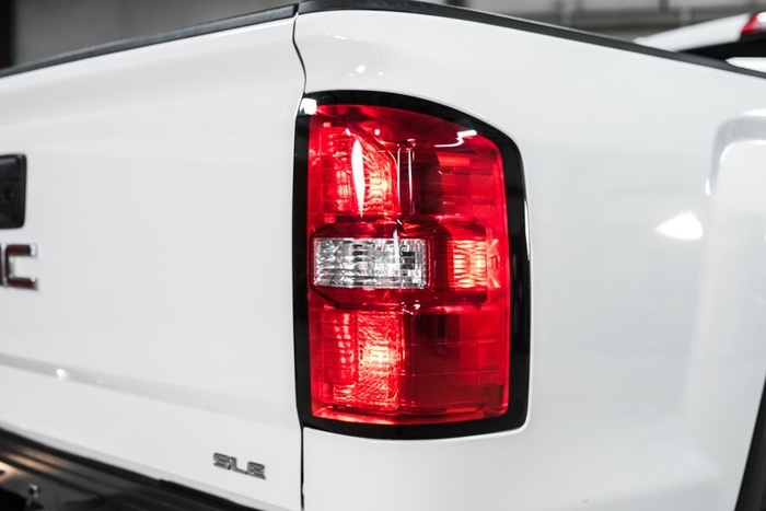 Lifted 2016 GMC Sierra 2500HD 4x4 Crew Cab SLE  $43,988