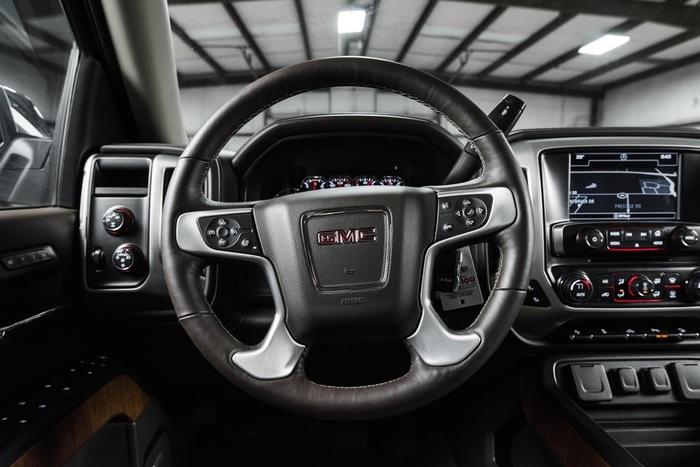 Lifted 2016 GMC Sierra 1500 4x4 Crew Cab SLT  $46,988