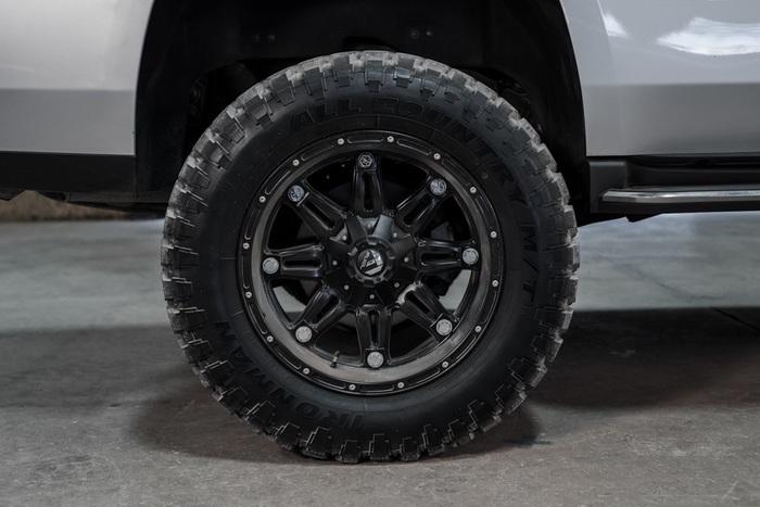 Lifted 2015 GMC Yukon 4x4 SLT  $51,988