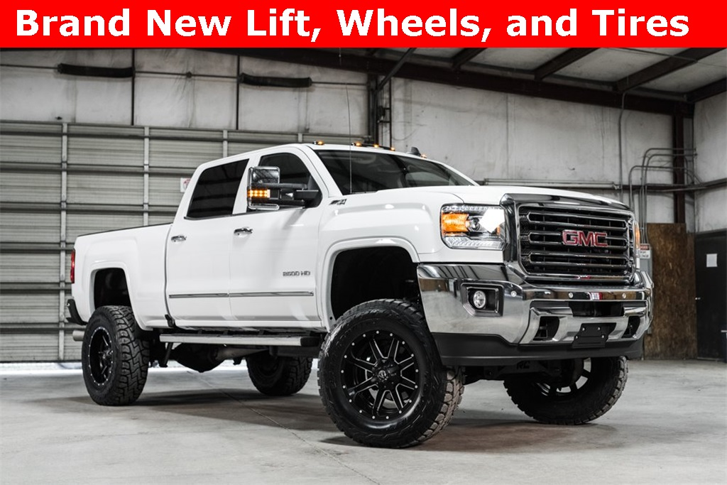 2016 GMC Sierra 2500HD 4x4 Crew Cab SLT LIFTED