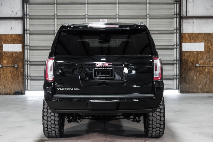 Lifted 2016 GMC Yukon XL 4x4 SLT  $52,988