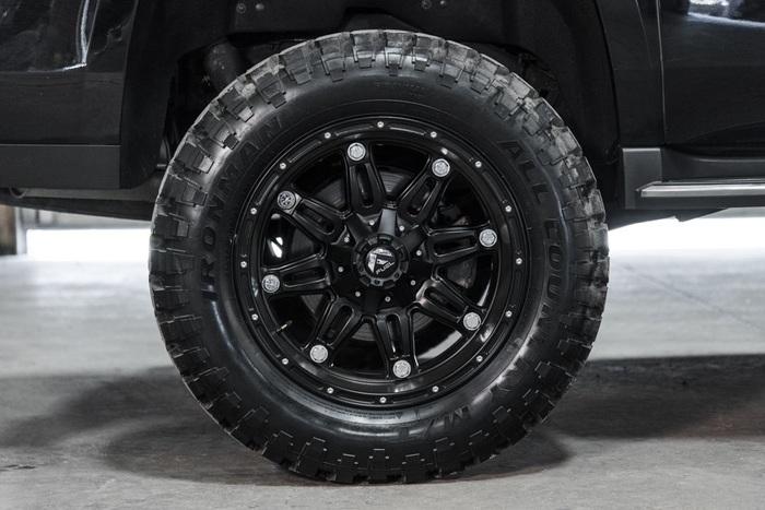 Lifted 2016 GMC Yukon XL 4x4 SLT  $52,988