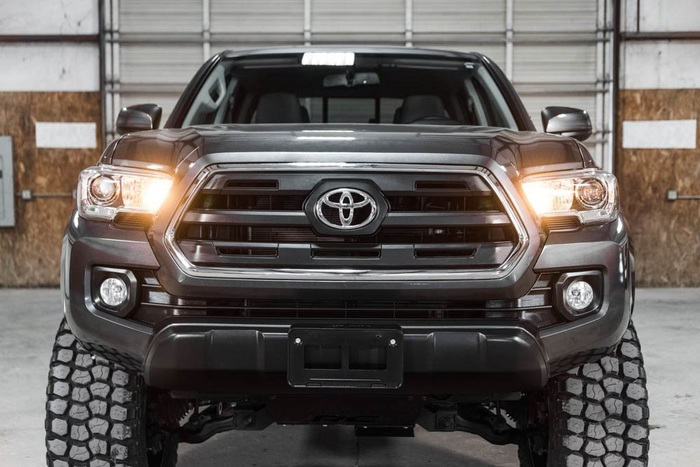 Lifted 2016 Toyota Tacoma 4x4 Double Cab SR5  $37,988
