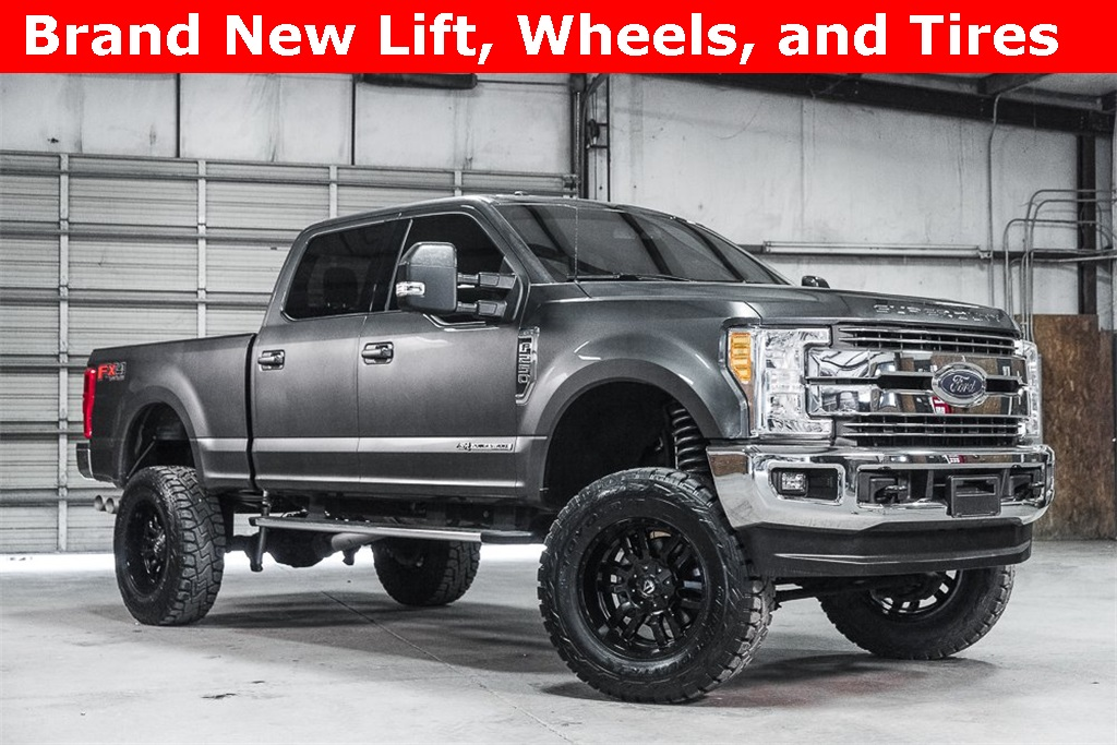 Lifted 2017 Ford F-250SD 4x4 Crew Cab Lariat FX4