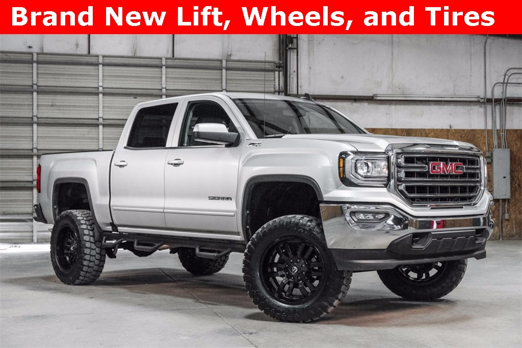 Lifted 2017 GMC Sierra 1500 4x4 Crew Cab SLE
